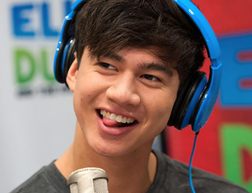 Calum Hood Breaks Snapchat With His Naughty Bits