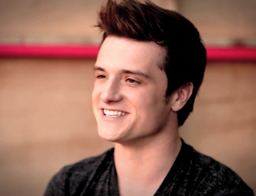 Twilight's Josh Hutcherson Penis Pic Hits the Web